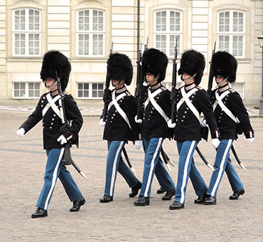 Life guards walking Amalienborg